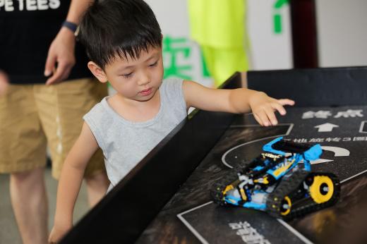 周末亲子互动游玩好去处,2019上海玩博会上万玩具免费试玩!