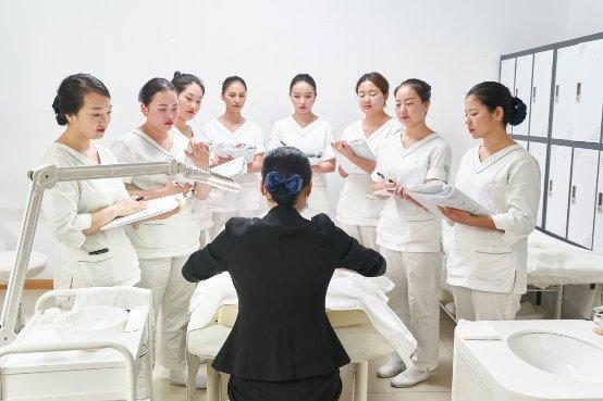 美丽田园为加盟商精心打造美容院人才攻略